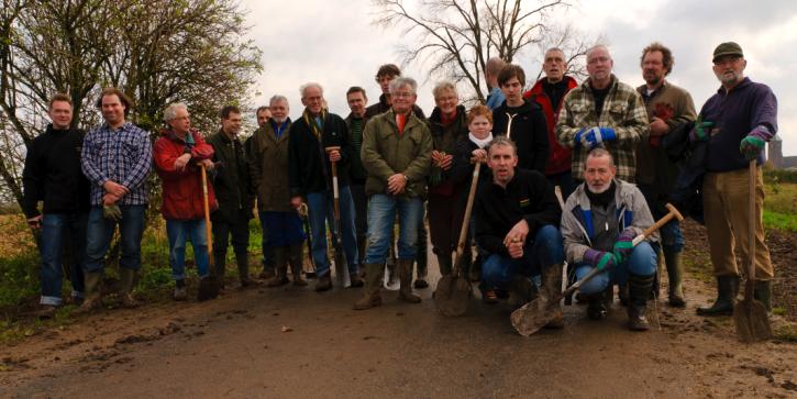 ploeg heggen planten Herreweg Balgoy Natuurwerkdag 2010